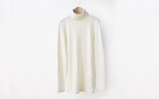 長袖ハイネックTシャツ
